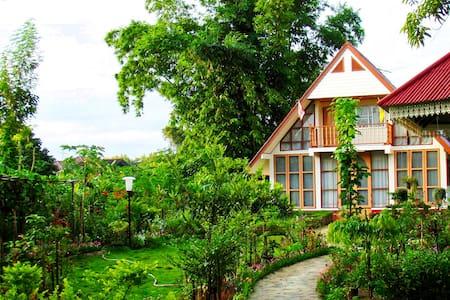 Suk Santi House 1