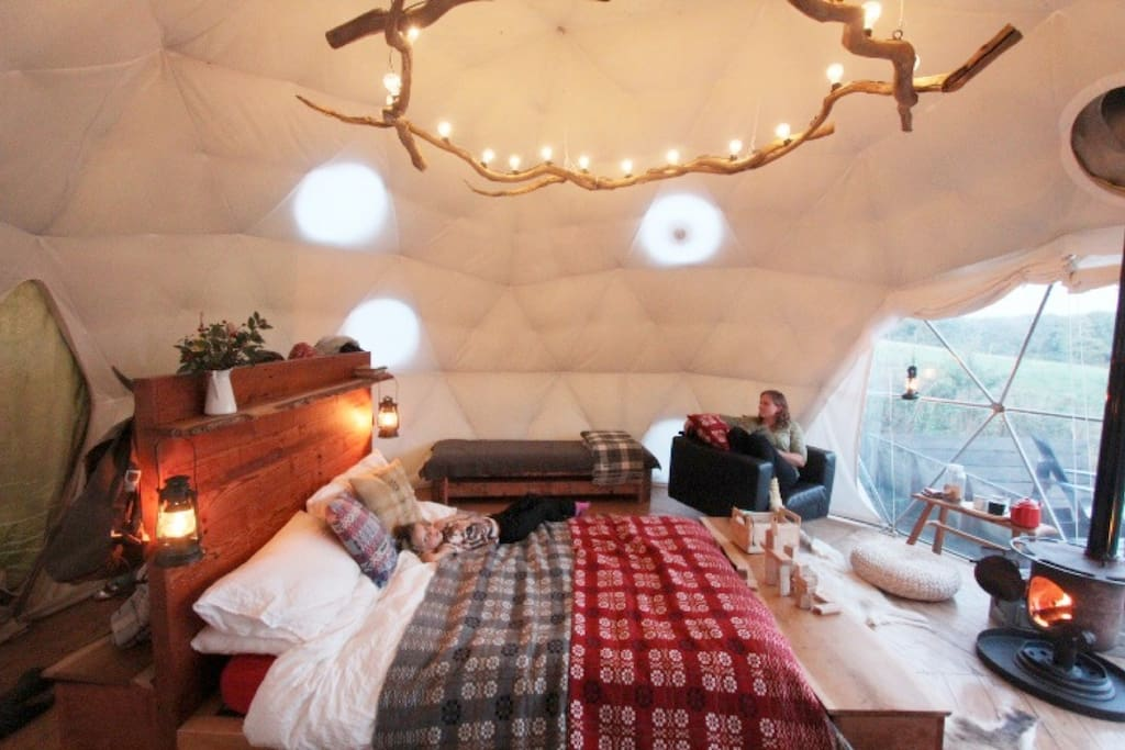Each Dome has a hand-crafted King size bed with super cosy bed linen.