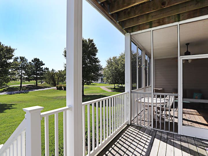 Bear Trap Dunes 1st floor condo w/ golf on-site, fireplace, and gym