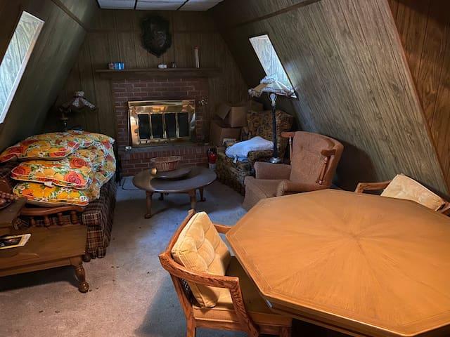 Dhoma e ndenjes 2