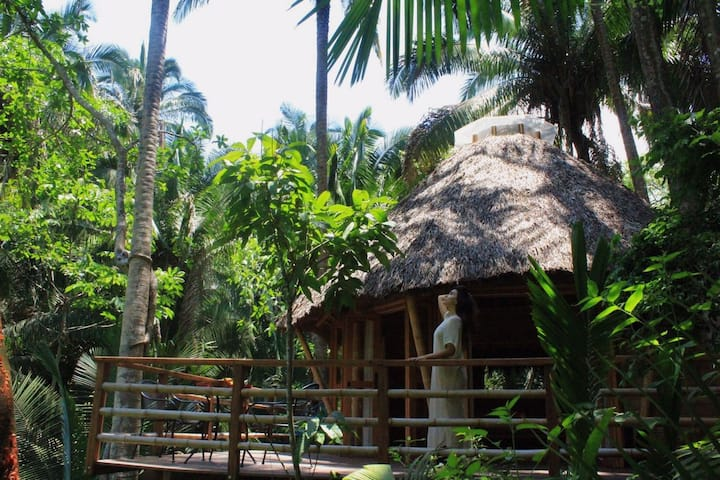 Aldea Bamboo Village III Ecolodge in Jungle/Beach
