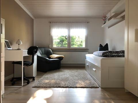 Gemütliches Zimmer in ruhiger Umgebung.