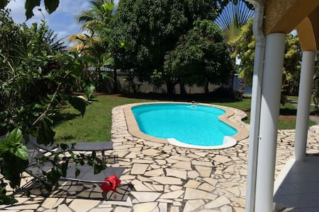 Three bedroom villa with private pool - Baie Mahault