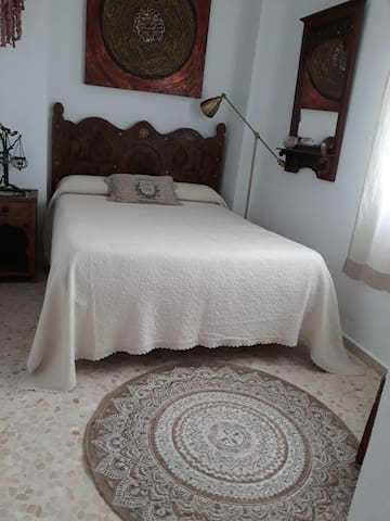 Dormitorio de matrimonio en el centro de Cádiz