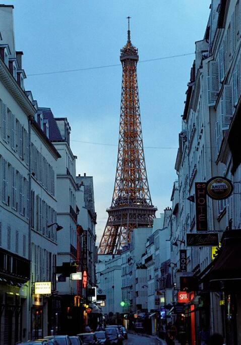 At 2 min from Eiffel Tower  At 1 min from a pedestrian Street called Rue Cler