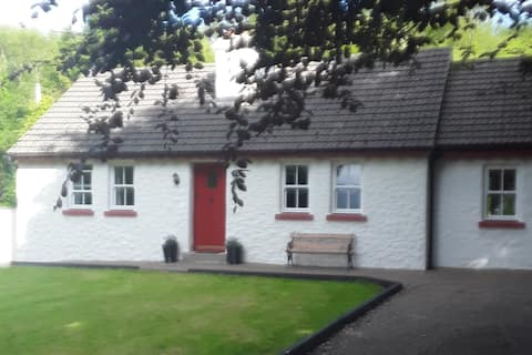 Cosy Traditional  Cottage near Kenmare