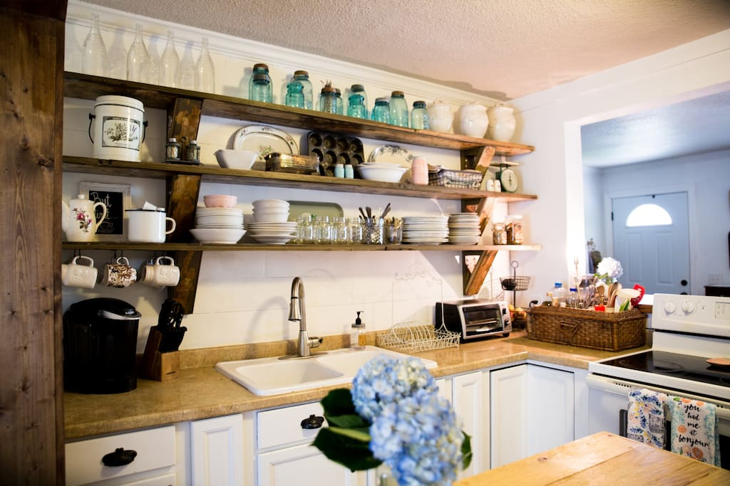Beautiful country chic kitchen with all the bells and whistles