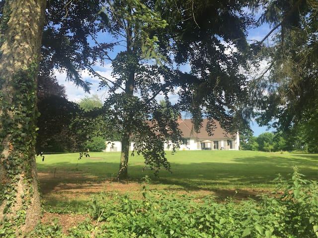 La Charmille, Maison de famille,13p,domaine privé