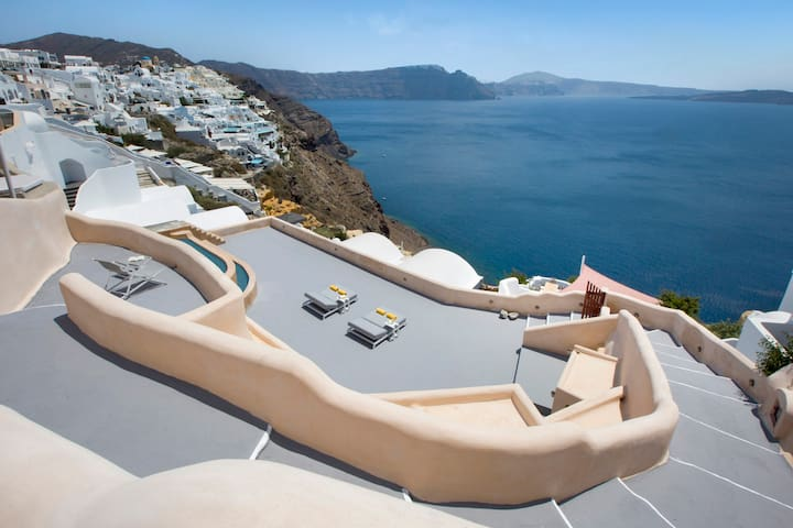 Villa Santorini 520 with private swimming pool