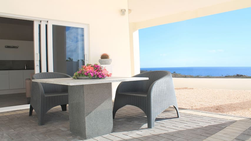 Vista Royal Apt. #1, walking distance to the beach - Jan Thiel - Apartemen