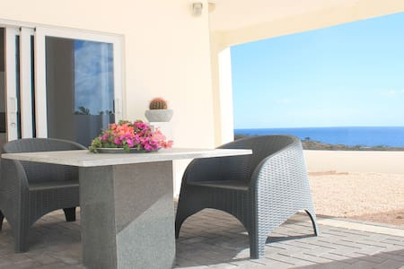 Vista Royal Apt. #1, walking distance to the beach - Jan Thiel - Apartamento
