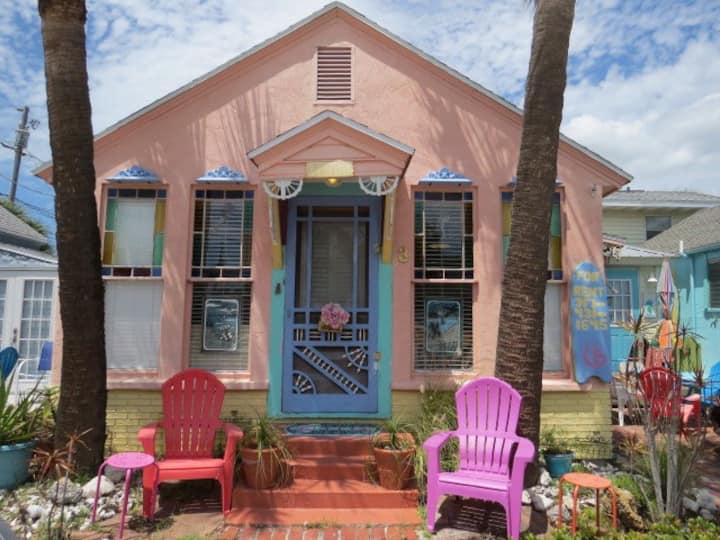 Mermaid Beach Cottage gulfside (30 steps to beach)