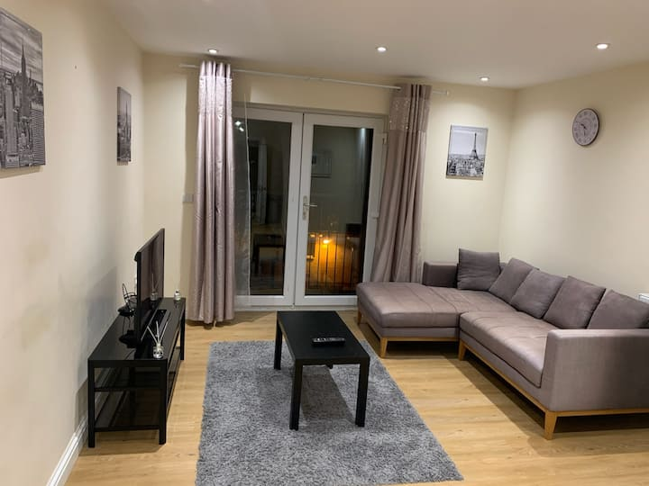 Lovely apartment near Heathrow airport and Windsor