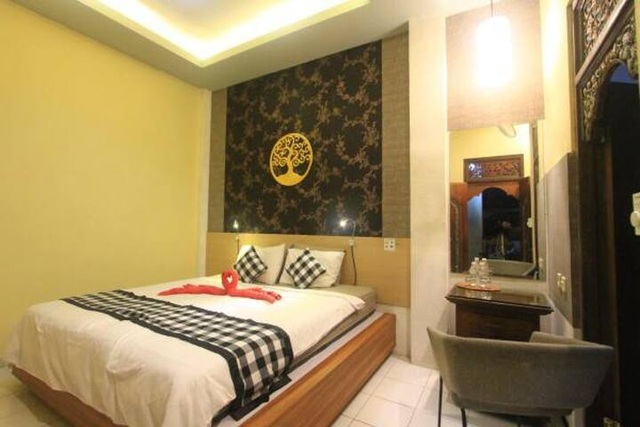 Budget Room, 350m from Ubud Palace