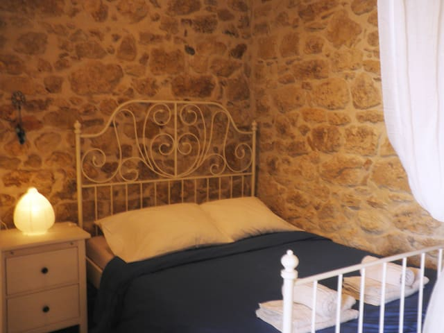 Charming Stone Built House  - Heraklion - Dom