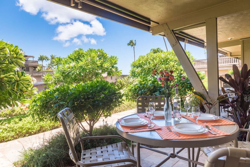Lovely Lanai for dining and relaxing