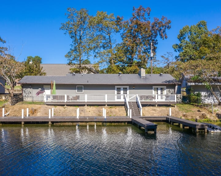Lake Hamilton Waterfront Home