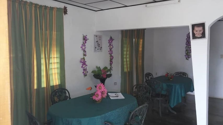 SB WHOLE HOUSE FOR 7 PERSONS IN LONG BEACH