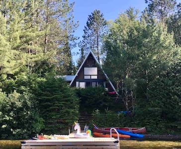 Cozy lake front cottage -  45 min Mont Tremblant