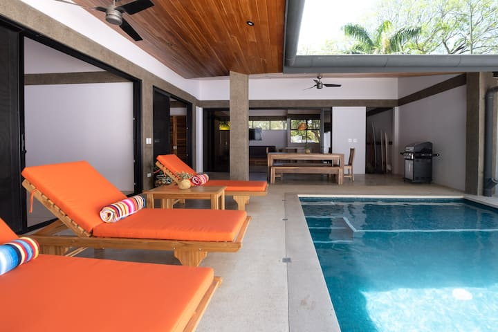 Casa Lola, Playa Guiones: Private beach house