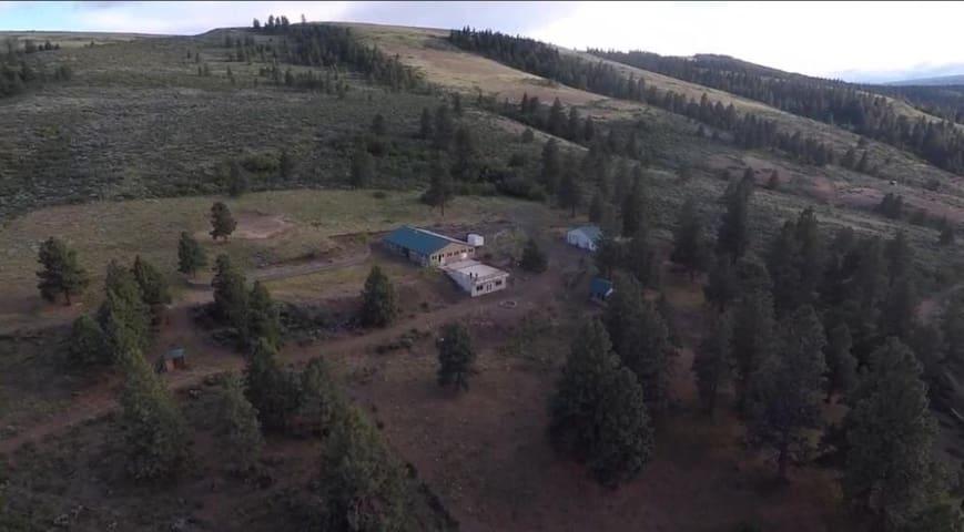 Huge E. Mount Rainer MountainTop Paradise Retreat