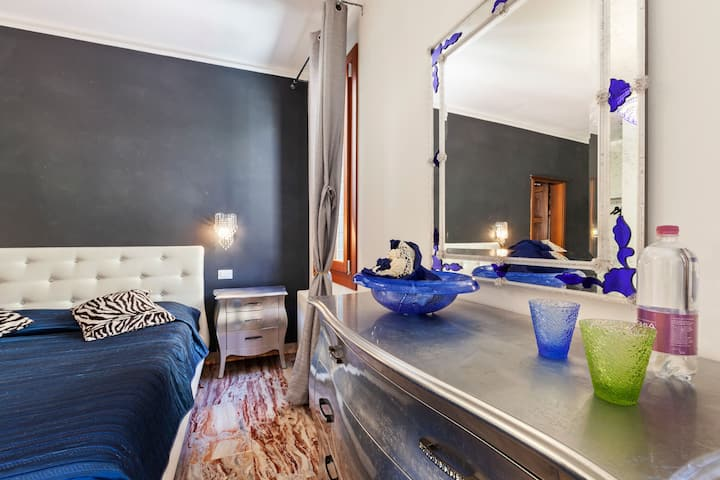 Inviting Villa in Lido di Venezia with Whirlpool