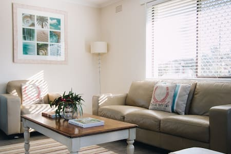 Beachfront Cottage Zeally(Sleeps 5)
