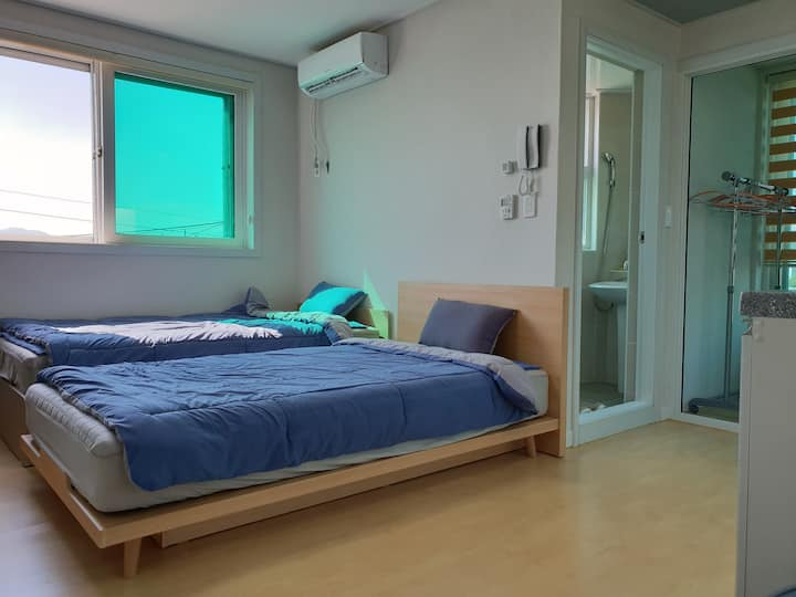 chungju apple guesthouse (twin bed room)