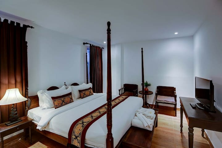 PRASATs - Deluxe Double/Twin Private Room