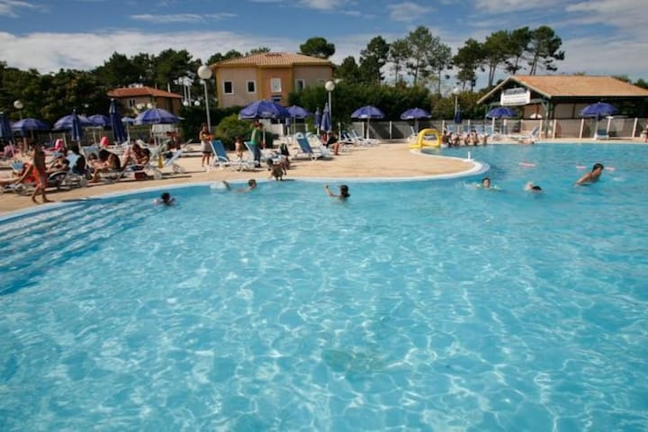 Maisonnette 4 personnes dans résidence de tourisme - Soustons - Dům