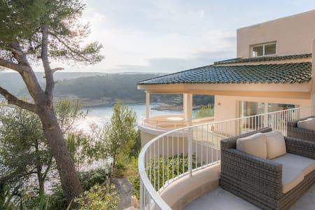 Unique 850m2 sea view villa in Sol de Mallorca - Sol de Mallorca - วิลล่า