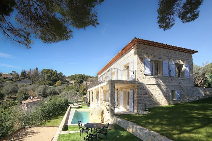 """Le Rocher des Anges"" in Mougins - Mougins - Villa"