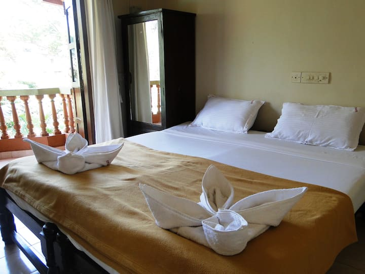 AC Standard rooms with individual Balcony candolim