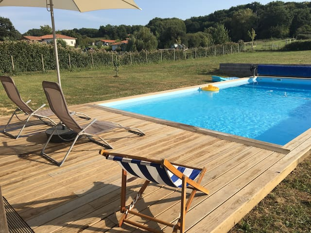Ch indépendante avec SdB et piscine, calme absolu