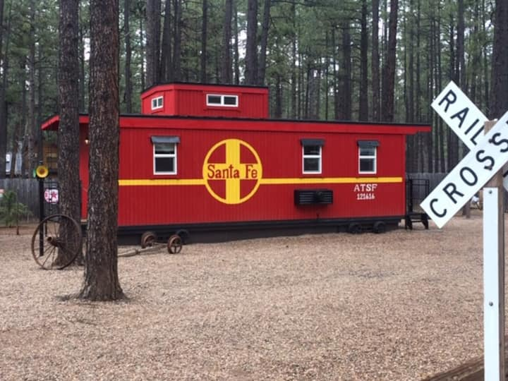 Caboose Cabin nestled in Pinetop peaceful pines