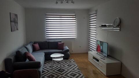 "Apartman  ""Čola"""
