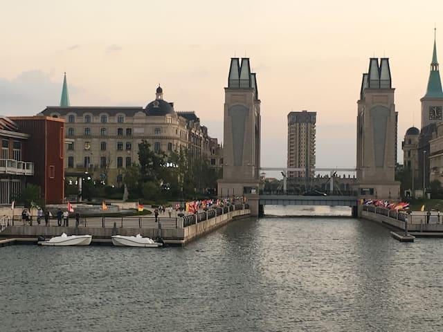 小区优美的游艇码头