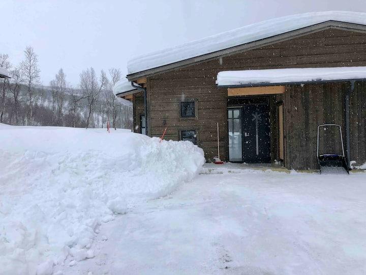 Nybyggd stuga Hemavan ski in/out skidlift/nedfart