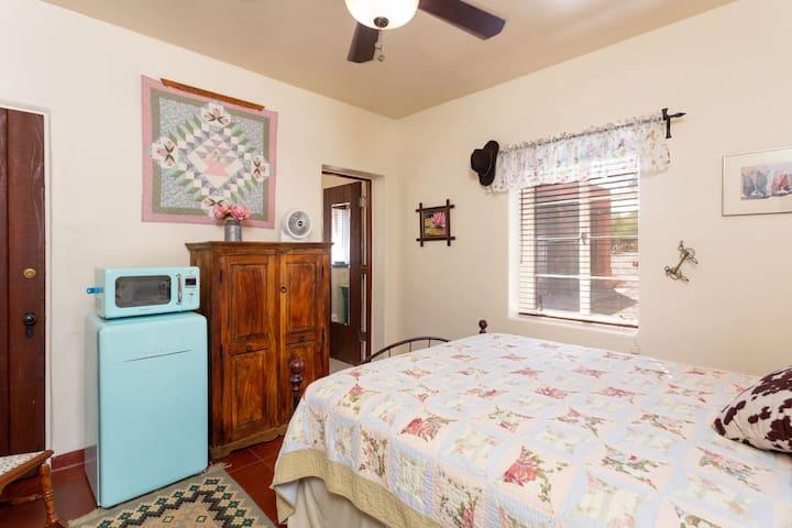 Quilt Room  (Inexpensive Birders Mecca)
