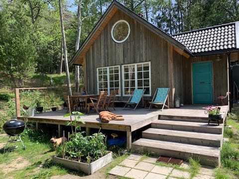 Surfshack with open fireplace near Toröstenstrand!