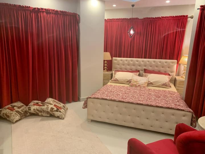 APARTMENT IN PHASE7 BAHRIA TOWN NEXT TOGARDEN CITY