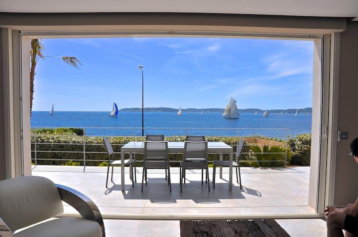 CENTRAL... with PANORAMIC SEA VIEWS ! Heated Pool. - Sainte-Maxime - Villa