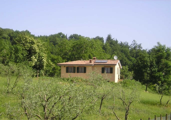 A comfortable cottage in the quiet Tuscan hills - Belforte - Hus