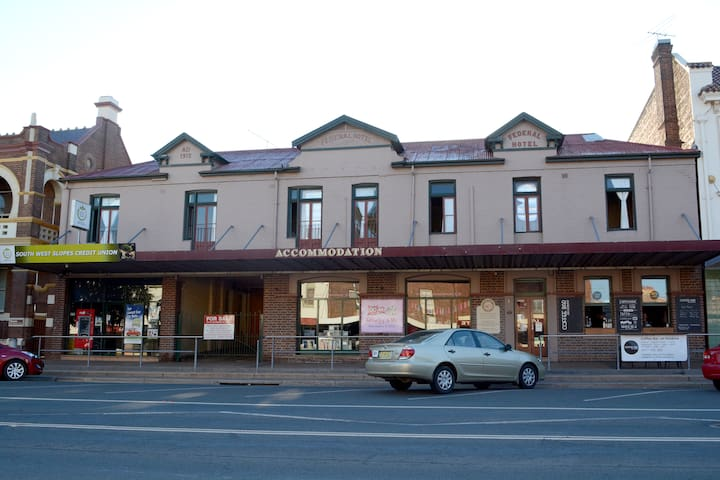 Patchwork Inn B&B Temora