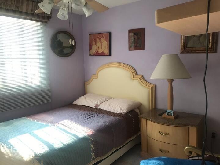Cómoda habitación céntrica, segura y acogedora