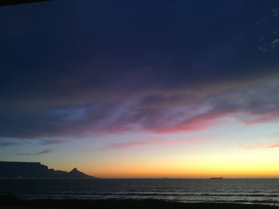 Magnificent balcony views of Table Mountain and West Coast