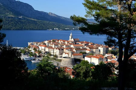 Korcula Seafront Apartment