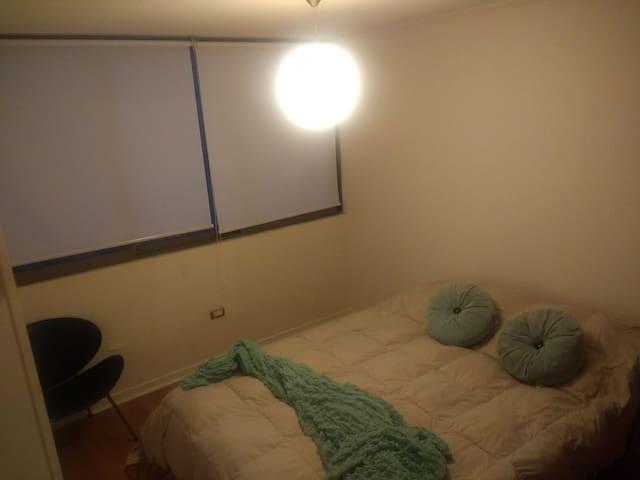Dormitorio en departamento buena vista, sector sur