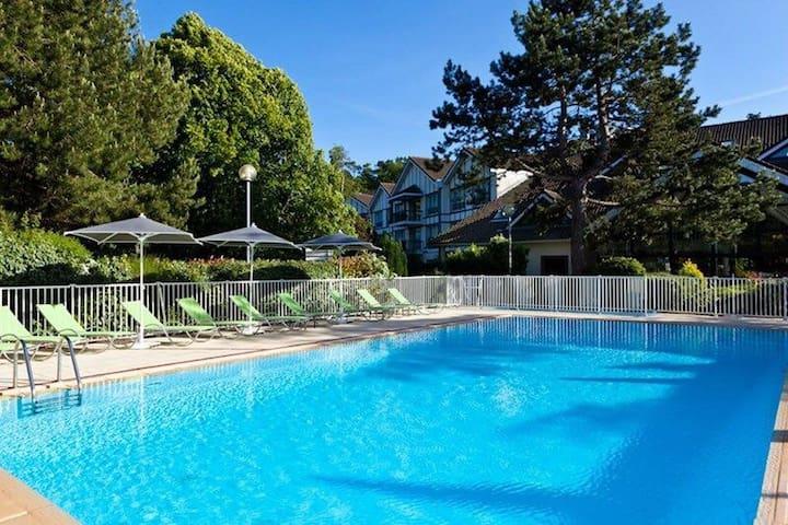 Appartement 2 chambres, accès piscine/tennis