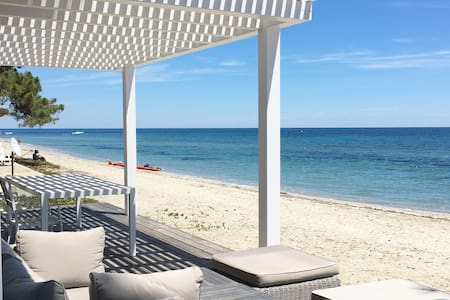 Front Sea Bungalow, directly on the beach-VIGNALE- - Ghisonaccia - Banglo